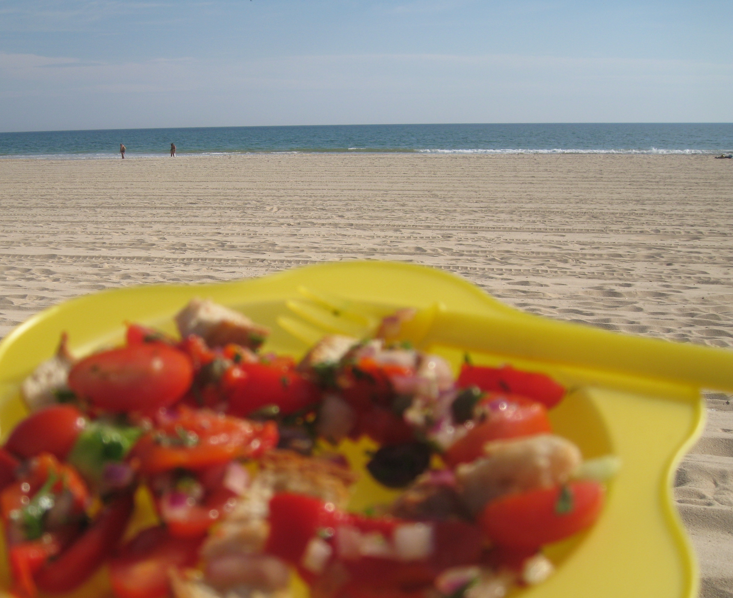 Salad on Altura beach in late October