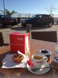 Living abroad - a quick coffee by the sea